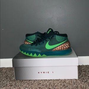Nike Kylie 1 basketball shoes